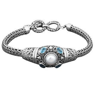 Sterling Silver Mabe Pearl and Blue Topaz 'Cawi' Toggle Bracelet (Indonesia)