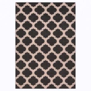 Meticulously Woven Jamie Moroccan Trellis Indoor/Outdoor Area Rug (7'6 x 10'9)