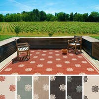The Gray Barn Noonan Contemporary Floral Indoor/ Outdoor Area Rug Square - 7'3