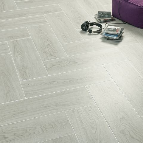 SomerTile 7.875x23.625-inch Finca Perla Ceramic Floor and Wall Tile (9 tiles/12.12 sqft.)