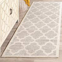 Safavieh Indoor/ Outdoor Amherst Light Grey/ Beige Rug (2'3 x 7') - 2'3 x 7'