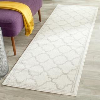 Safavieh Indoor/ Outdoor Amherst Beige/ Light Grey Rug (2'3 x 7')