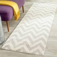 Safavieh Indoor/ Outdoor Amherst Light Grey/ Beige Rug (2'3 x 9') - 2'3 x 9'