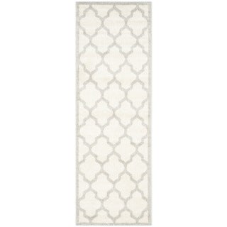 Safavieh Indoor/ Outdoor Amherst Beige/ Light Grey Rug (2'3 x 11')