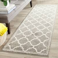 Safavieh Indoor/ Outdoor Amherst Dark Grey/ Beige Rug (2'3 x 11') - 2'3 x 11'