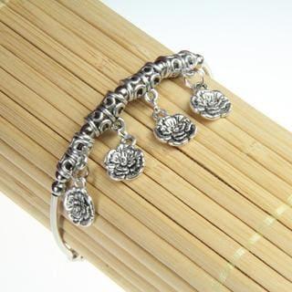 Handmade Tibetan Silver Flower Charm Bracelet (China)