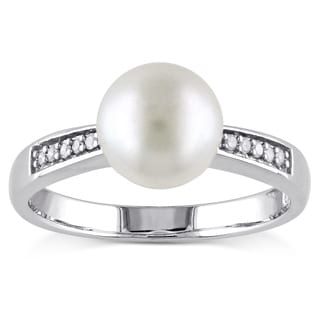 Miadora Sterling Silver Freshwater Pearl and Diamond Accent Ring (8-8.5 mm)