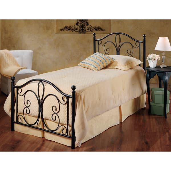 Milwaukee Metal Frame Bed Set
