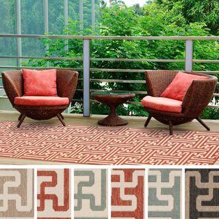 Meticulously Woven Nikki Contemporary Geometric Indoor/Outdoor Area Rug (2'3 x 11'9)
