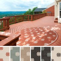 Meticulously Woven Jenna Contemporary Floral Indoor/Outdoor Area Rug (7'3 Round)