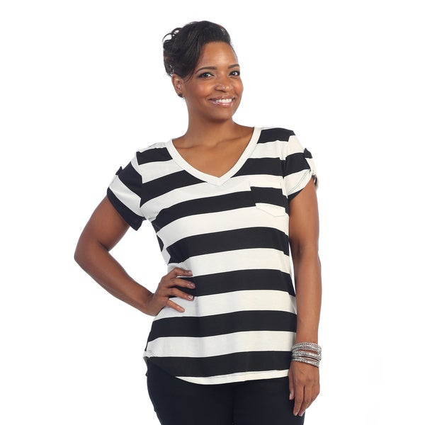 ed6132944 Shop Hadari Women's Plus Size Black/ White Striped Short Sleeve T ...