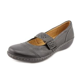 Clarks Women's 'Ashland' Leather Casual Shoes - Narrow