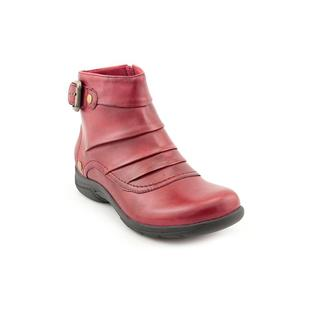 Clarks Women's 'Christine Club' Leather Boots - Wide (Size 6 )