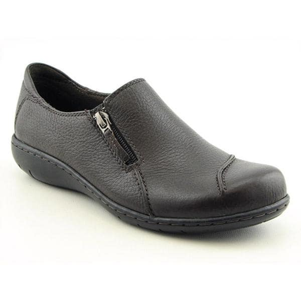 4a7475964963 Shop Clarks Women s  Maggilyn  Leather Casual Shoes - Wide (Size 10 ...