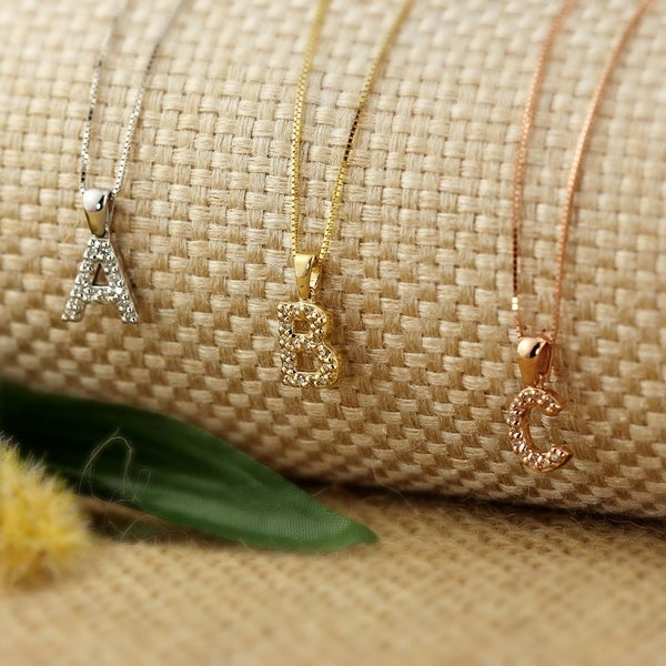 Auriya 14k Gold 1/10ct TDW Diamond Initital Necklace