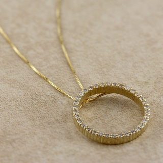 Auriya 14k Yellow Gold Diamond Circle Pendant Necklace