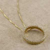 Auriya 14k Yellow Gold Diamond Circle Necklace