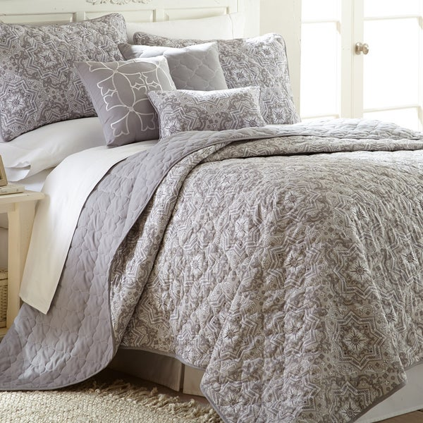 Amrapur Overseas Grey Geometric 6-piece Quilt Set