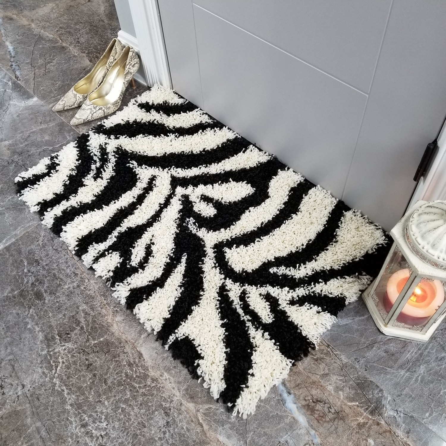 Maxy Home Zebra Shag Accent Rug Black and White Doormat (...