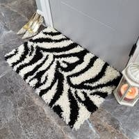 Maxy Home Zebra Shag Accent Rug Black and White Doormat (1'8 x 2'7) - 1'8 x 2'7
