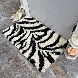 Maxy Home Zebra Shag Accent Rug Black and White Doormat (1'8 x 2'7) - multi-color - 1'8 x 2'7