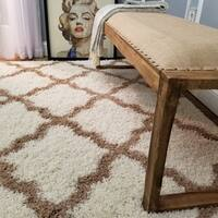 Maxy Home Shag Moroccan Trellis Ivory and Brown Area Rug (6'7 x 9'3) - 6'7 x 9'3