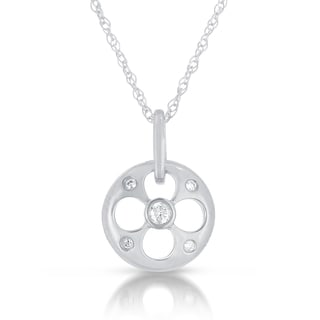 Eloquence 14k Gold Diamond Accent Circle Pendant Necklace (GH, I1-I2)