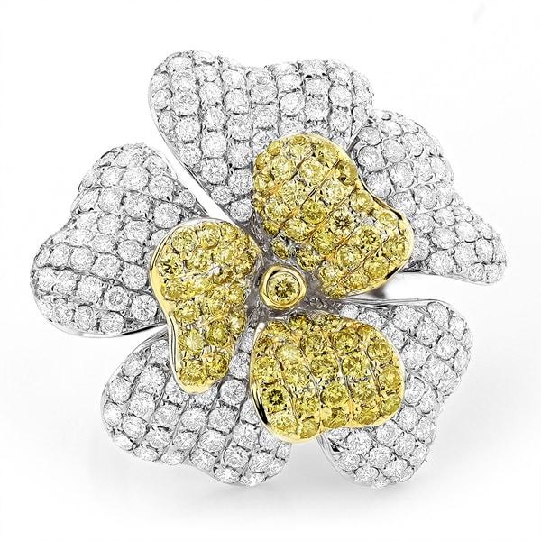 Luxurman 14k White Yellow 7ct White Diamond Flower Ring