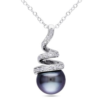 Miadora Silver Tahitian Pearl and 1/10ct TDW Diamond Necklace (8-8.5 mm)