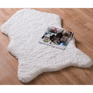 Hand-tufted Raquel Faux Sheepskin Rug (2'3 x 3'9)