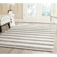 Safavieh Handmade Moroccan Cambridge Grey/ Ivory Wool Rug - 8' x 10'