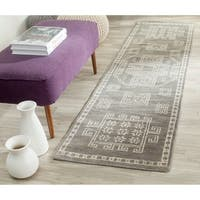 Safavieh Hand-knotted Kenya Grey Wool Rug - 2'3 x 8'