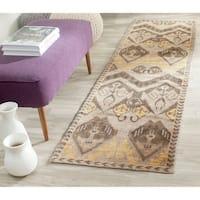 Safavieh Hand-knotted Kenya Gold/ Beige Wool Rug - 2'3 x 8'