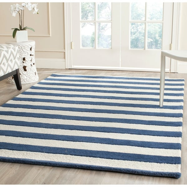 Safavieh Handmade Cambridge Nautical Stripe Navy/ Ivory Wool Rug - 5' x 8'