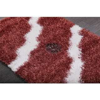 Wavy Burgundy and White Shag Rug (3'9 x 5'9)