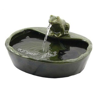 Solar Powered Ceramic Green Frog Water Fountain