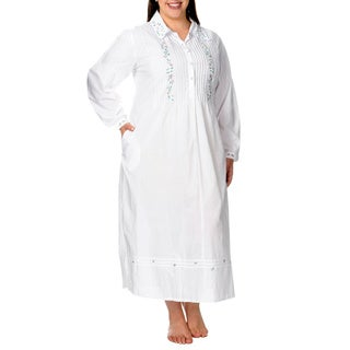 La Cera Women's Plus Size Women's Embroidered Yoke Button-front Lounger