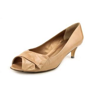 Vaneli Women's 'Ullie' Patent Leather Dress Shoes (Size 10 )