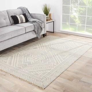 Sera Handmade Geometric Gray/ Off-White Area Rug (5' X 8')