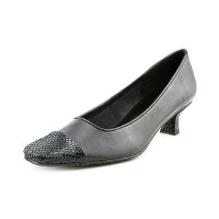 Vaneli Women's 'Rickie' Nappa Dress Shoes (Size 8 )
