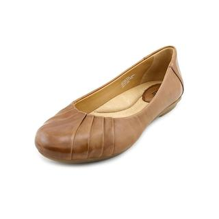 Earth Women's 'Bellwether' Leather Casual Shoes