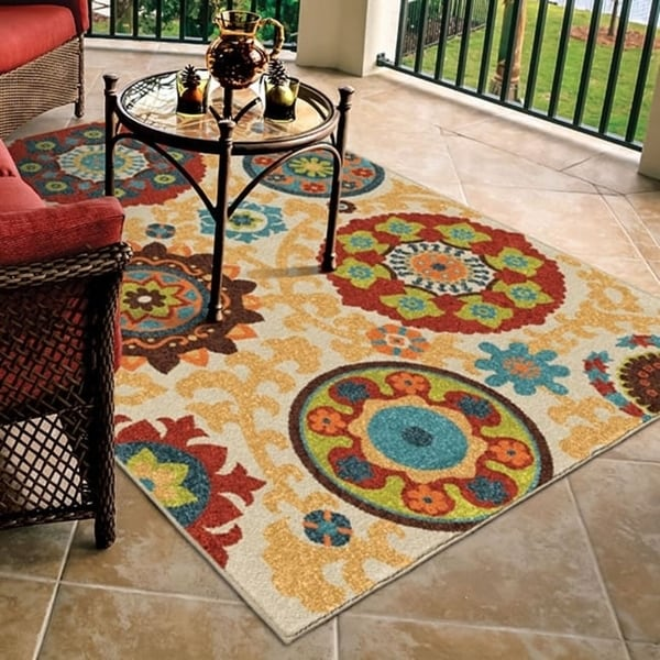 Carolina Weavers Indoor/Outdoor Santa Barbara Collection Tyro Multi Area Rug (7'8 x 10'10) - Beige