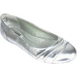 Women's Cliffs by White Mountain Bernice Silver Metallic Synthetic