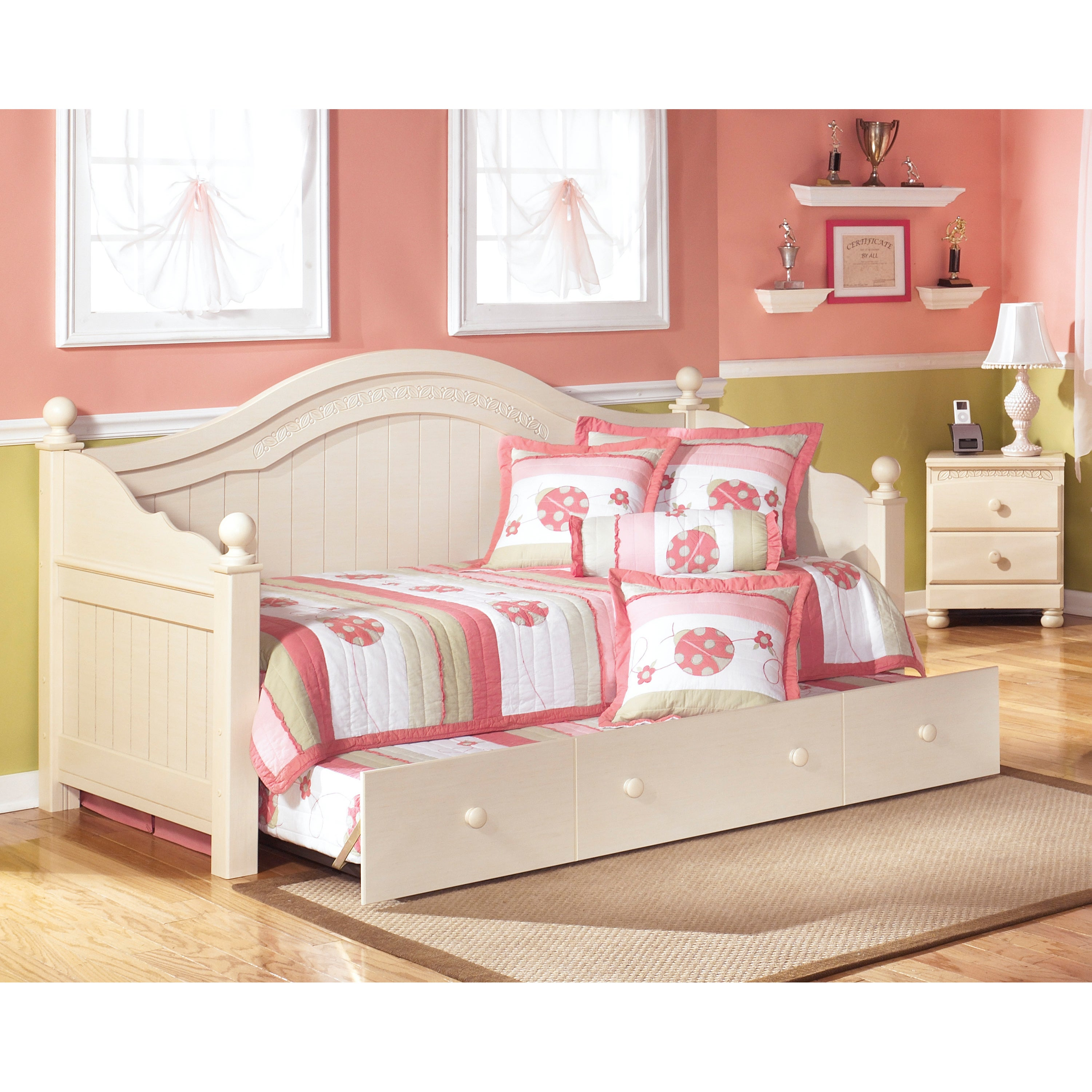 Signature Design by Ashley Cottage Retreat Cream Day Bed with Trundle