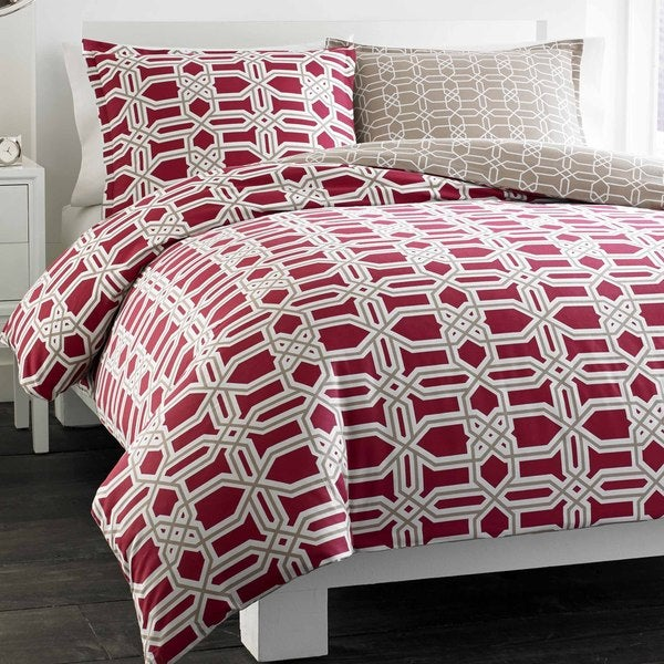 City Scene Labyrinth Red Reversible Cotton 3-piece Duvet Cover Set