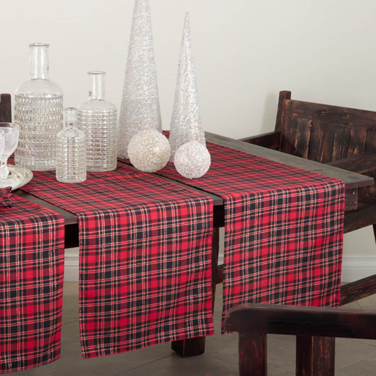 Saro Plaid Design Table Runner or Set of 4 Placemats (Pla...