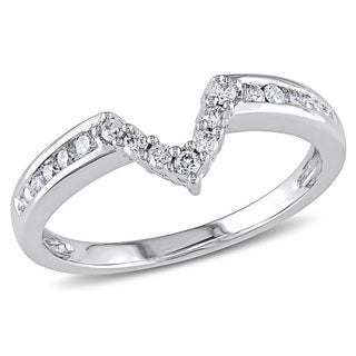Miadora 14k White Gold 1/5ct TDW Curved 'V' Diamond Band