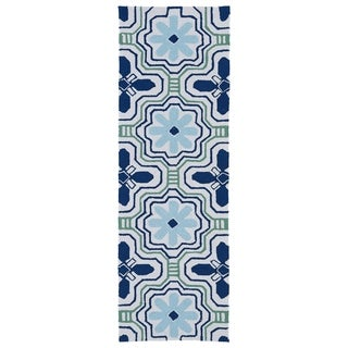 Luau Ivory Tile Indoor/ Outdoor Rug (2' x 6')