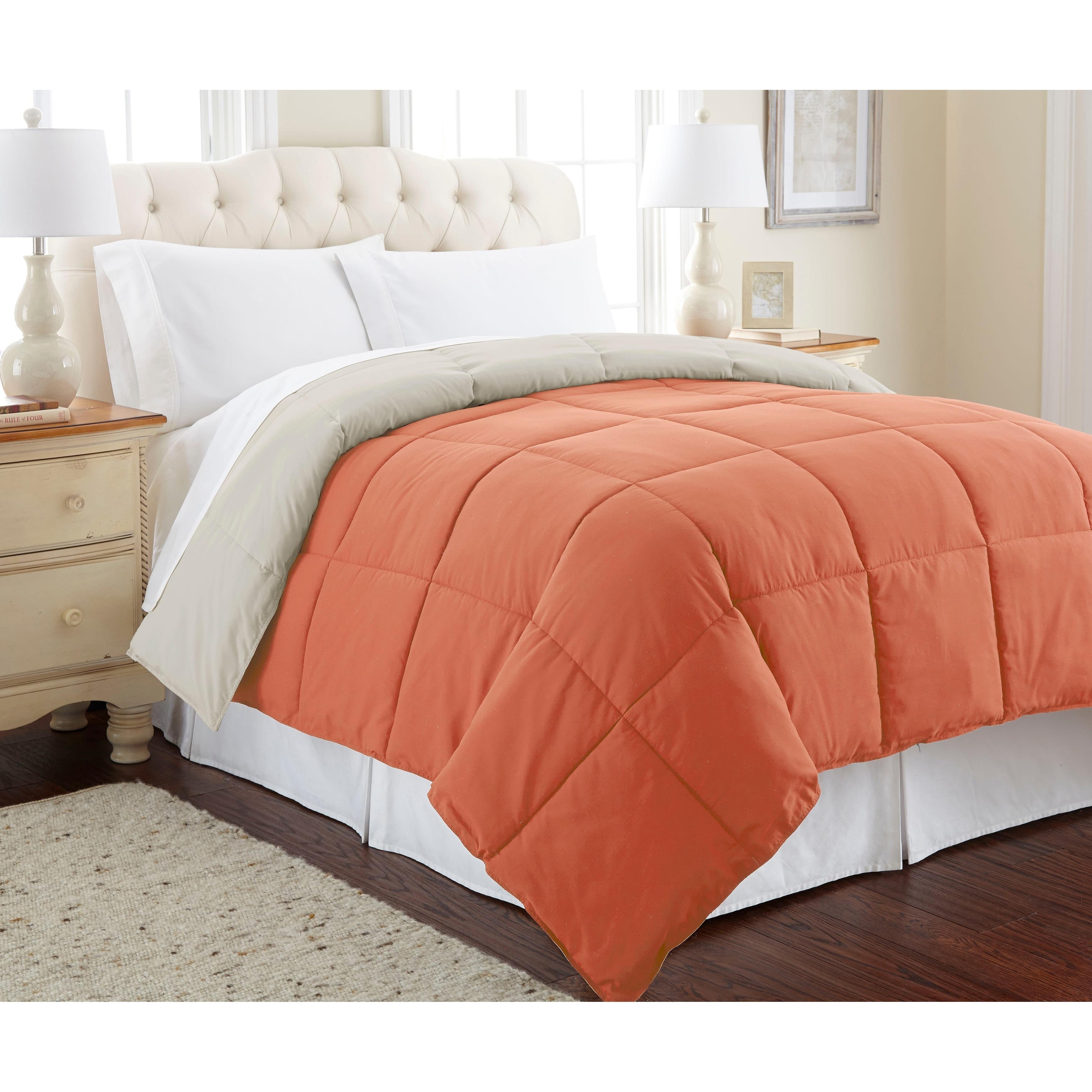 Amrapur Overseas All-season Reversible Down Alternative Comforter (Misty Jade/Seaport - King)