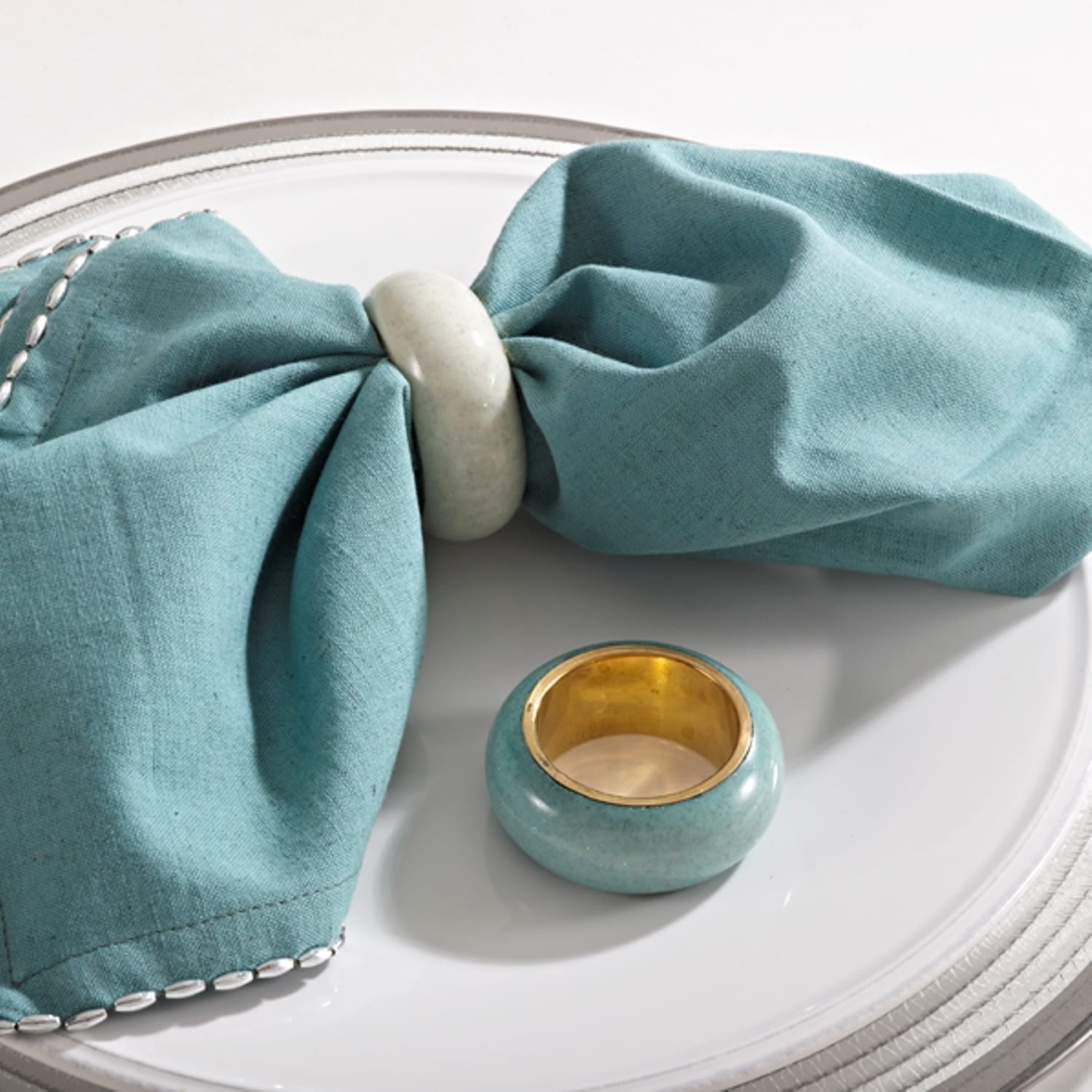 Saro Dome Design Oyster/ Sea Green Napkin Ring (Set of 4)...